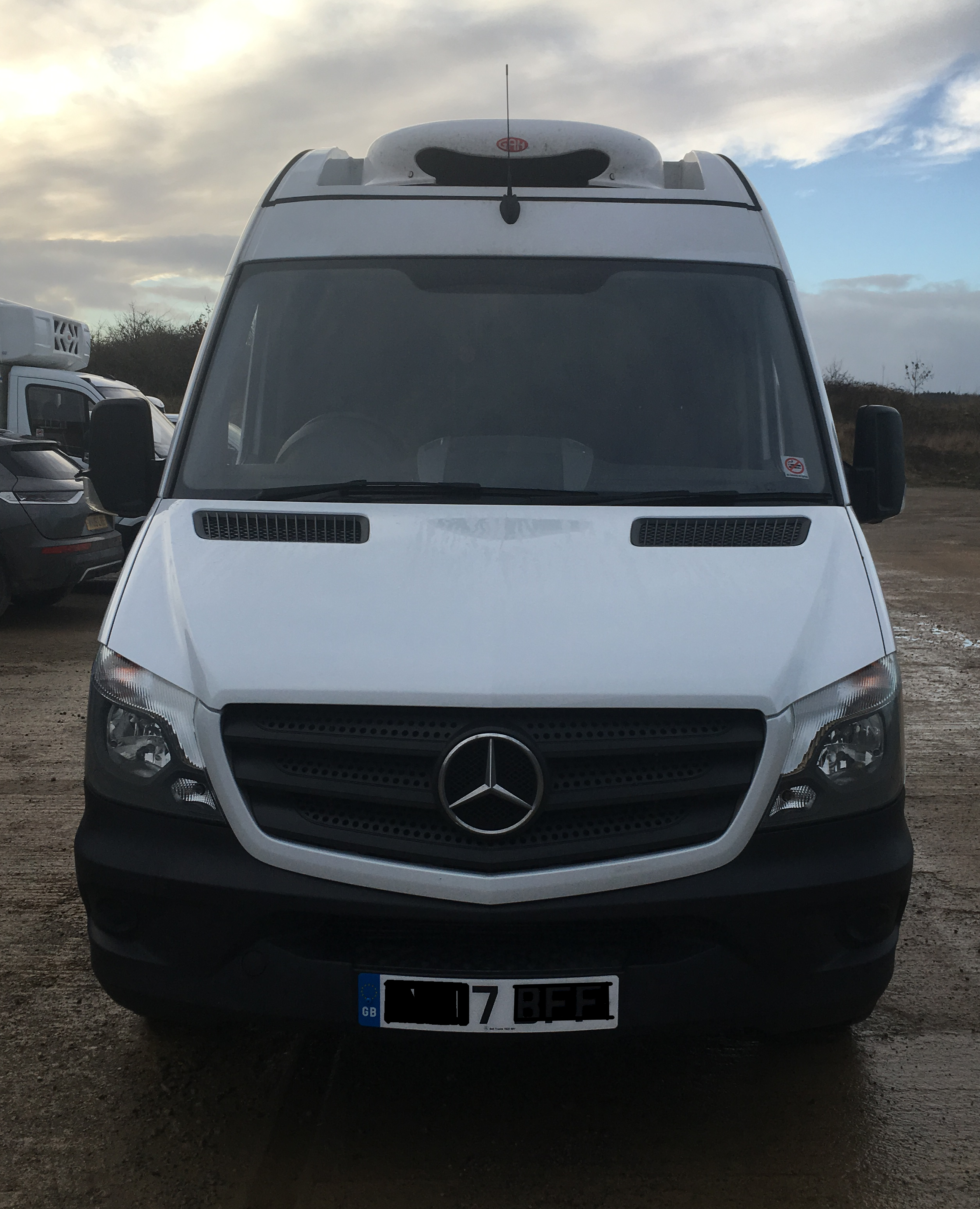 17 Plate Mercedes Sprinter Freezer